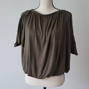 Pullover pleated ladies top